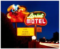 Lariat Motel II, Fallon, Nevada / Richard Heeps